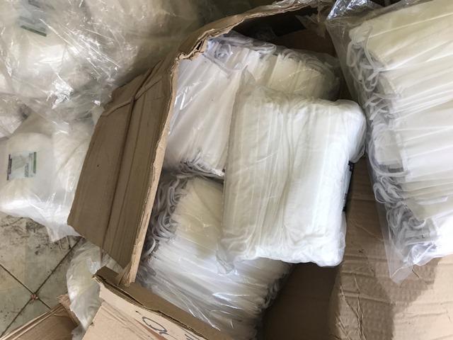 Lote de (100,000 pzas) de cubrebocas desechable